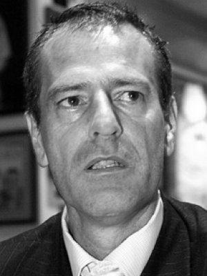 <b>Gerd Schröder</b> war in der ersten DEL-Saison 1994/95 zunächst einer der ... - Schroeder_SW